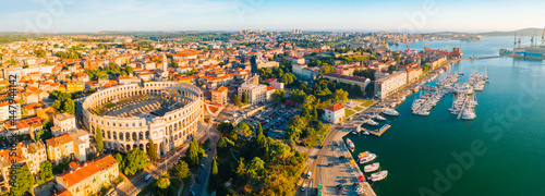 Tela Aerial drone photo of famous european city of Pula and arena of roman time