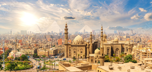Obraz na plátně Mosque-Madrasa of Sultan Hassan, beautiful panorama of Cairo landmarks, Egypt