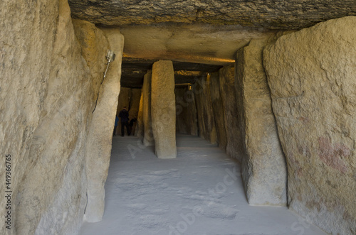 Foto Interior view of the Dolmen of Menga, prehistoric burial chambers in Andalusia,