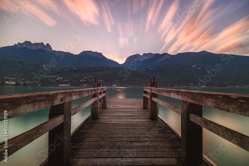 Obraz na plátně Lever du jour sur le lac d'Annecy