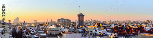 Foto Panoramic of the city of Madrid at sunset