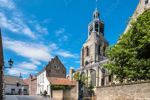 Foto The Peperbus is the church tower of the Sint-Gertrudiskerk in Bergen op Zoom, No