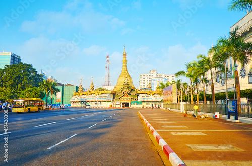 Canvas Morning Yangon, Myanmar