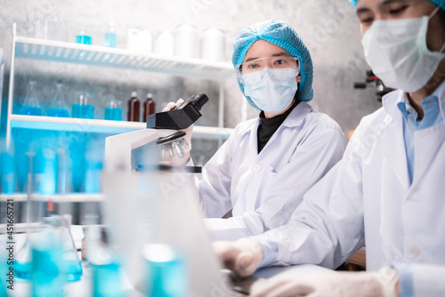 Health care researchers working in life science laboratory, medical science tech Fototapet