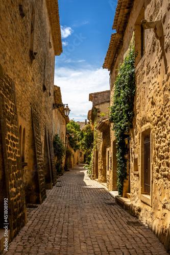 Fényképezés Ruelle dans village provencal
