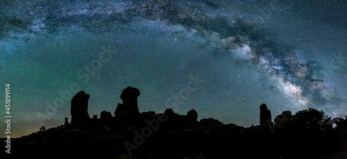 Fotografiet Milky Way over the Garden of Eden