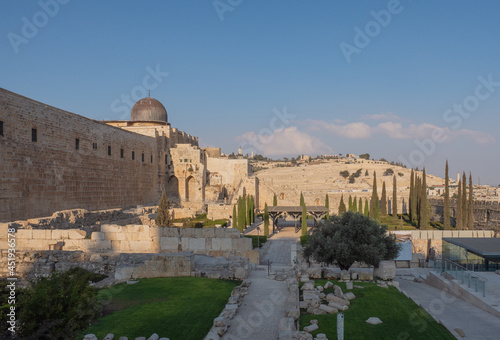 Stampa su Tela Temple Mount south wall with Al-Aqsa Mosque and archeological excavation site in