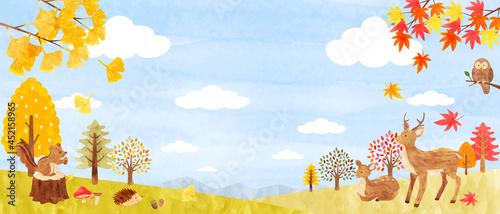 秋の森にいるかわいい動物達の背景素材 手描き水彩画イラスト(横長)02