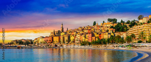 Foto Old town architecture of Menton on French Riviera