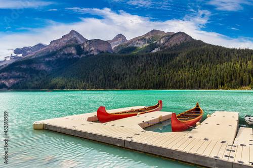 Photo Canoes on Lake Louise, Banff