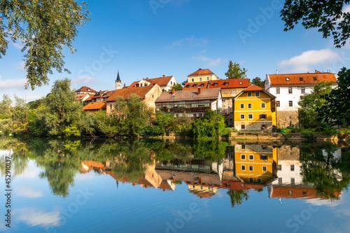 Fotografia Novo Mesto ( Rudolfswerth, Newestat), Slovenia, Lower Carniola Region, near Croa