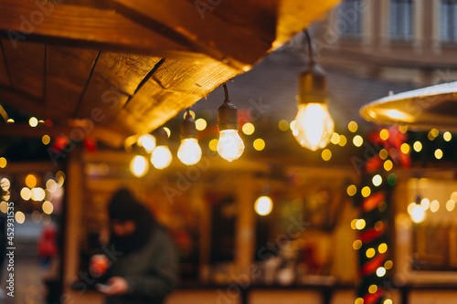 Light bulb in the foreground and blurred background Fototapet