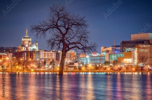 Stampa su Tela St. Paul, Minnesota night skyline along the Mississippi River