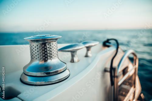 Fotomural Prua barca con dettaglio avvolgi cima