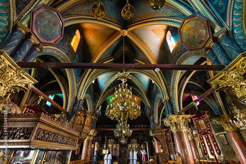Canvas ギリシャ ロドス島のアルハンゲロスにある大天使ミカエル教会の煌びやかな聖堂内 Church of Michael the Archangel