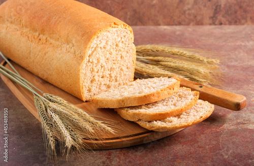 Fotografia Homemade whole grain bread loaf