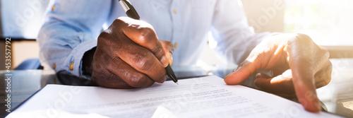 Fotografie, Obraz African Agreement Lawyer Legal Document Signature
