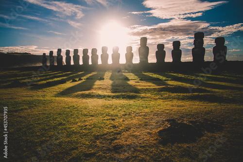 Obraz na plátně Sunrise over Moai stone sculptures at Ahu Tongariki, Easter island, Chile