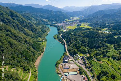 Fotografering 富山県富山市の猿倉山、御前山、小佐波御前山周辺の自然をドローンで撮影した風景 Scenery taken by drone of nature around Sarukura-yama, Gozen-yama and Ozanami-Gozen-yama in Toyama City, Toyama Prefecture