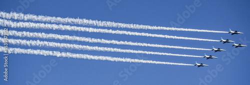 Fotografija 小牧山城の見える上空の航空ショー