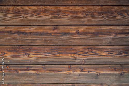 屋外で使われているきれいな木の板