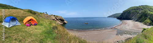Fotografiet Panoramic view of Meat Cove campgrounds at the north tip of Cape Breton Island N
