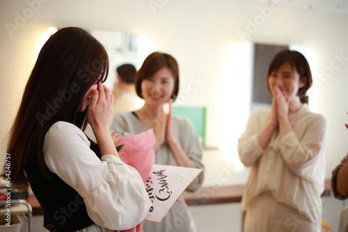 Canvas-taulu 職場の異動で涙を流す女性