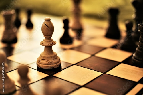 Foto chess bishop piece on the board
