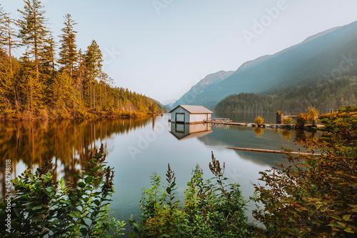 Leinwand Poster Buntzen Lake boathouse