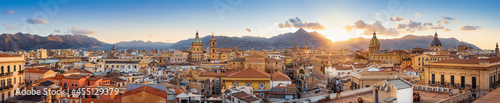 Foto panoramic view at the old town of palermo, sicily