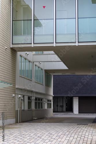 東京、赤坂の薬研坂から見える住宅街の風景 Fototapeta
