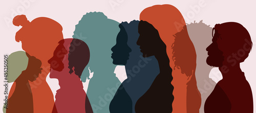 Billede på lærred Silhouette group of multiethnic women and man who talk and share ideas and information