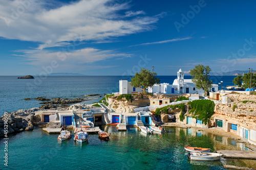 Foto Mandrakia village in Milos island, Greece