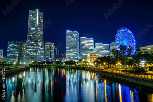 神奈川県横浜市みなとみらいの夜景 Fototapet