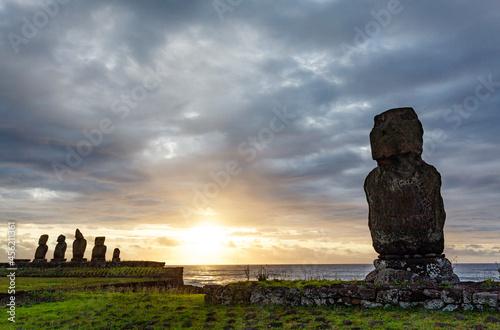 Fototapeta Sunset at Ahu Tahai, site with moai statues at Easter Island, Chile