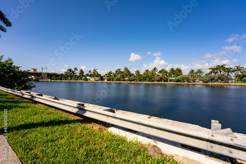 Photo of smooth water in the Intracoastal waterway Hollywood FL Fototapeta