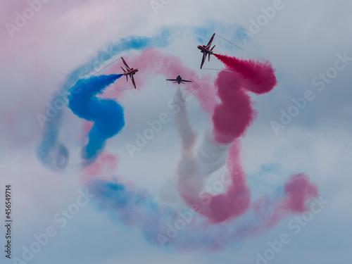 Obraz na plátně Red Arrows Royal Air Force Aerobatic Team