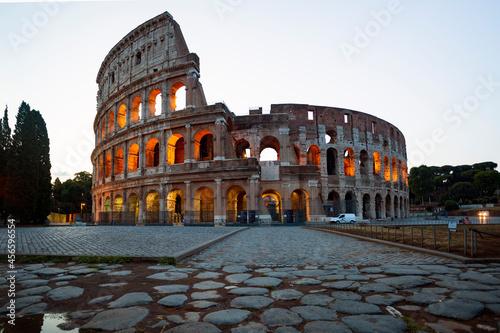 Canvastavla The Colloseo at night, Rome the city of the Roman Empire