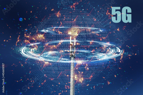 Modern wireless telecommunication tower antenna transmitter, base reciever station for broadcasting 4G, 5G, 3g Fototapet