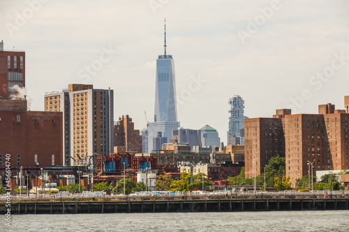 Fotografering Freedom Tower from the east river