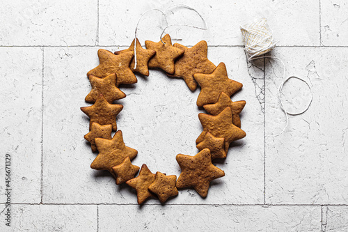 Canvas Star-shaped gingerbread cookies wreath, copy space.