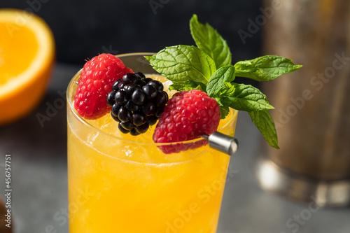 Obraz na plátně Boozy Refreshing Sherry Cobbler