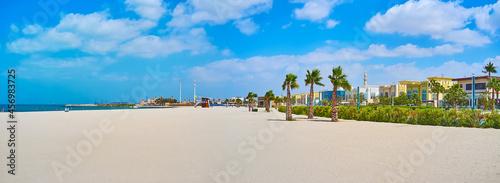 Fotografija Panorama of wide sand Jumeirah beach, Dubai, UAE