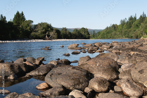 Slika na platnu Shore of River Dee on the outskrits of Ballater in Aberdeenshire in Scotland