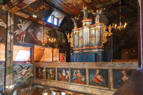 Pipe organ in an old wooden church Fototapete