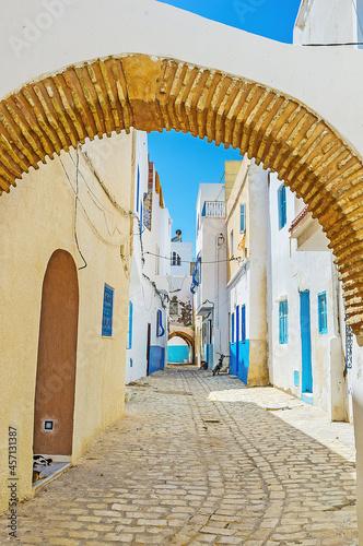 The arched pass in Medina of Bizerte, Tunisia Tapéta, Fotótapéta
