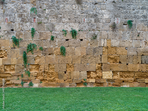 Photo Texture of a tuff brick wall