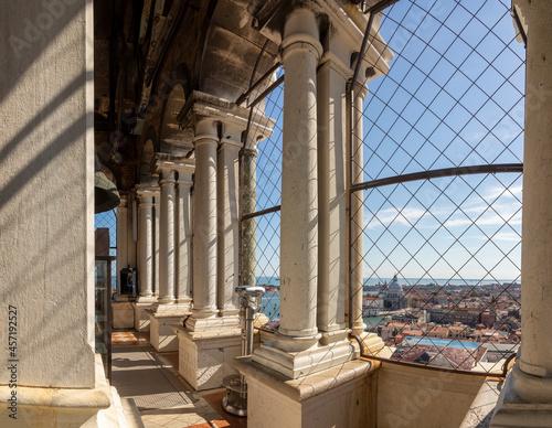 Slika na platnu view from the belfry of St. Mark's campanile to skyline of Venice