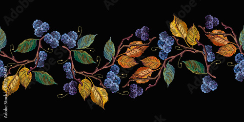 Photo Blackberry, autumn leaves horizontal seamless pattern