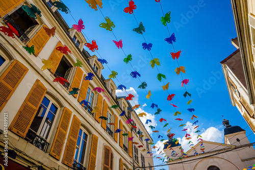 Billede på lærred Dans les rues de Roanne